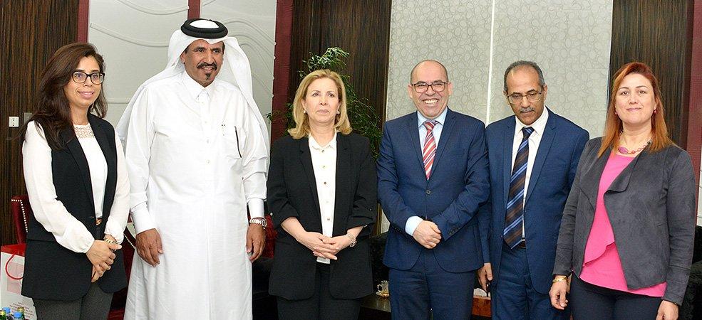 بن طوار يبحث تعزيز العلاقات مع وزيرة السياحة التونسية