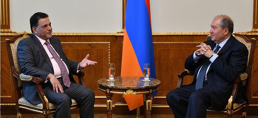 Sarkissian calls on Qatari businessmen to invest in Armenia