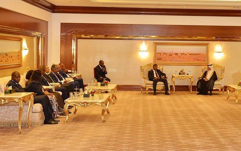 Angola-President-invites-006